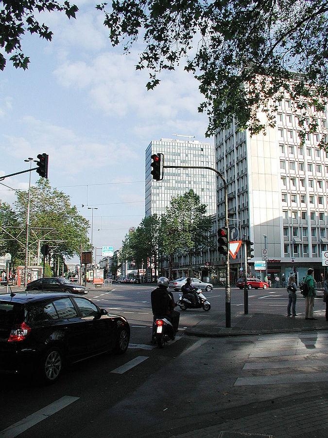 Blick auf den Verkehr, Bild: Horsch, Willy - HOWI [CC BY (https://creativecommons.org/licenses/by/3.0)]